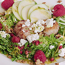 PINK PEPPERED SCALLOPS WITH POMEGRANATE AND TART APPLE SALAD LIMONCELLO VINAIGRETTE