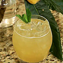 Seasonal Cocktail – Loquat Smash